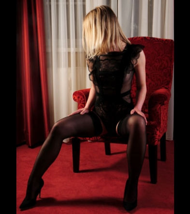 Escort Dame Nicole in High-Heels