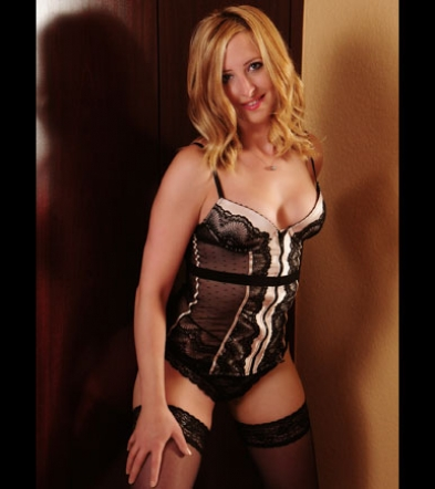 Escort lady Klara in lingerie